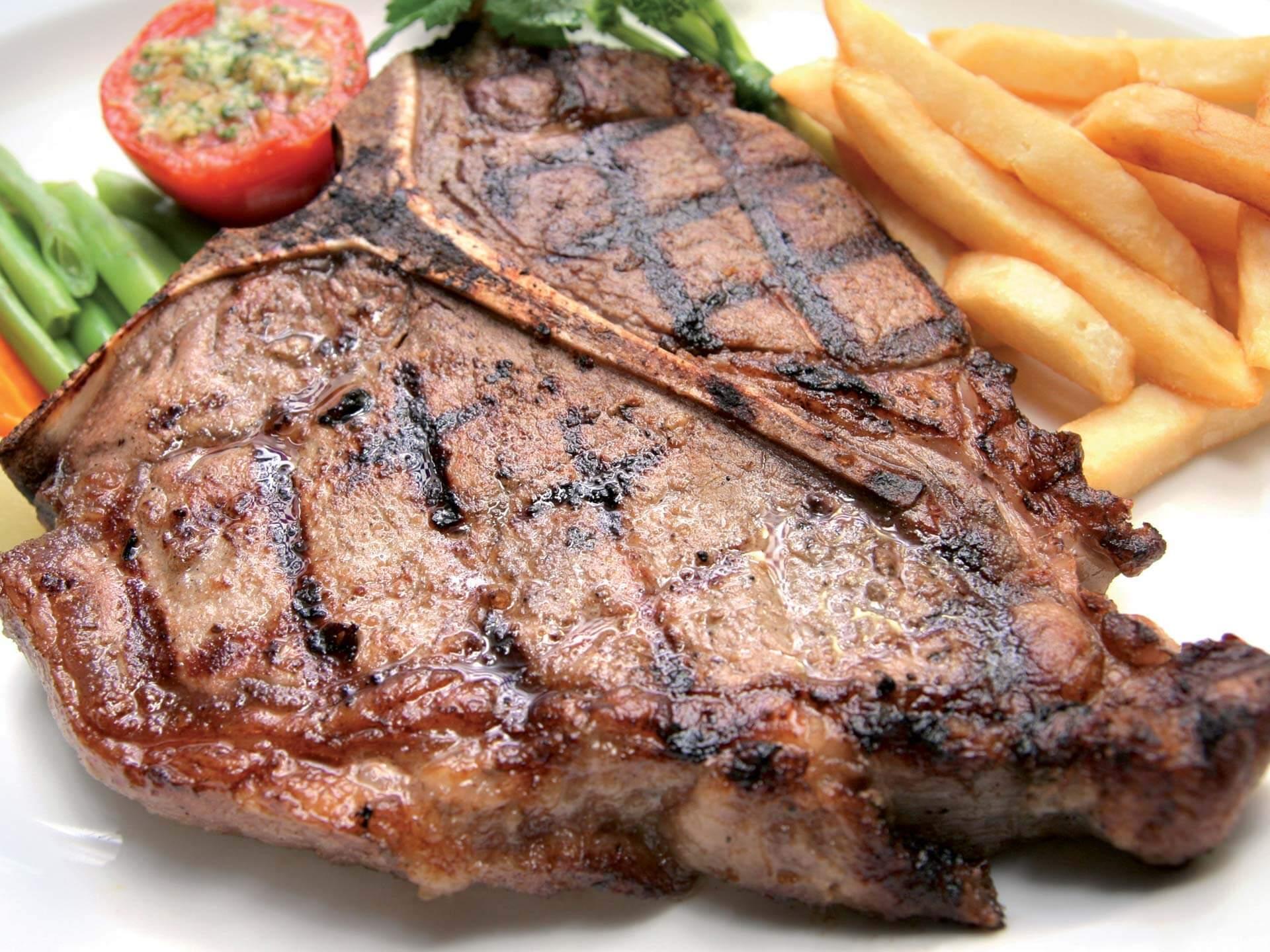La lombata chianina del ristorante steakhouse Bova's The Grill